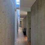 Зенитный фонарь в коридоре