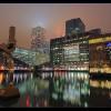 Территория дока Londons ночью